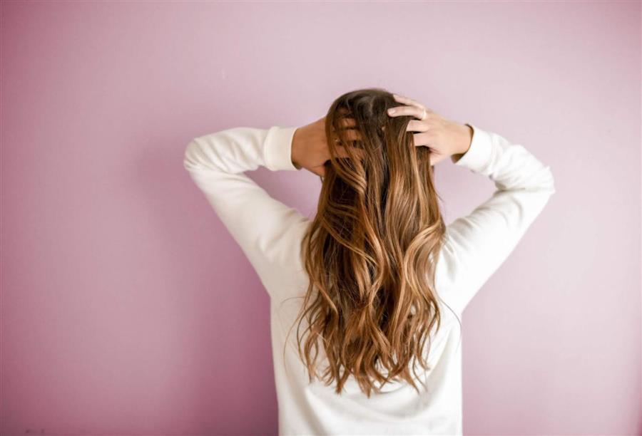 تعاني الشعر الخفيف