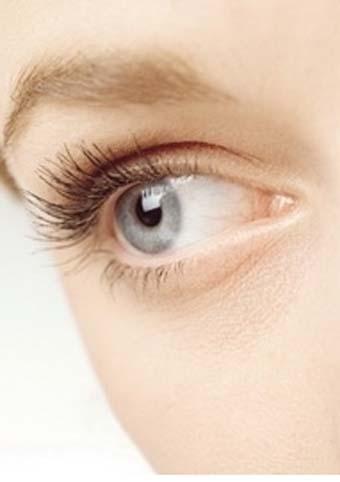 تعرفي أسباب وعلاج تساقط العين 14800_large.jpg