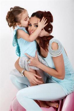 الأمومة ممتعة بكل لحظاتها Collection21632_1098