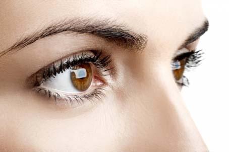 تعرفي أسباب وعلاج تساقط العين %D8%B1%D9%85%D9%88%D